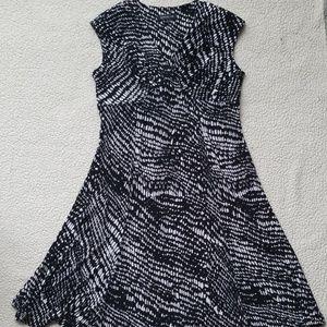 Jones New York black and white dress